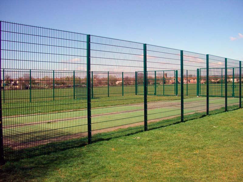 Забор из сварной полимерной сетки фэнсис